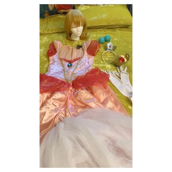 Princess Peach Complete Costume